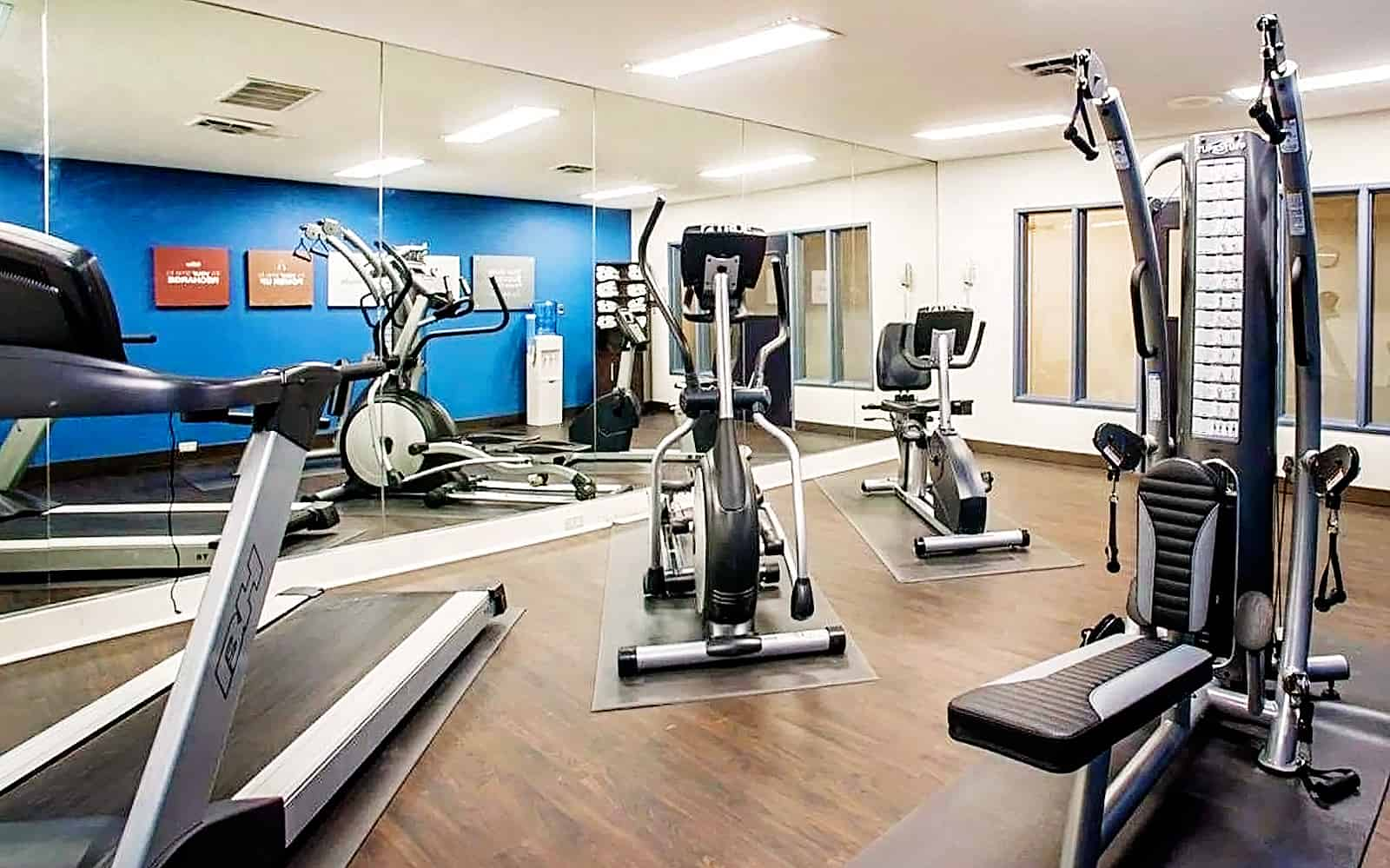 Comfort Suites Airport fitness center