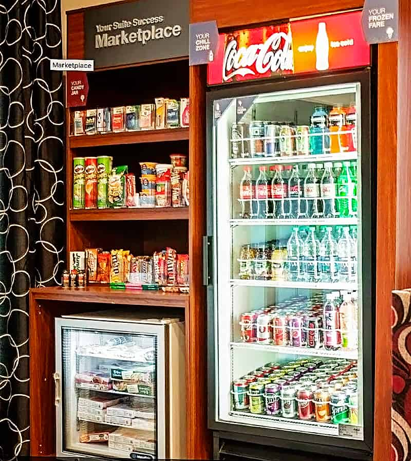 Convenience store at Comfort Suites Airport in Nashville